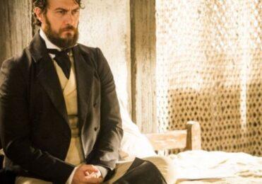 Bonifácio fica sabendo sobre os podres de Thomas em 'Novo Mundo' – TV & Novelas – iG