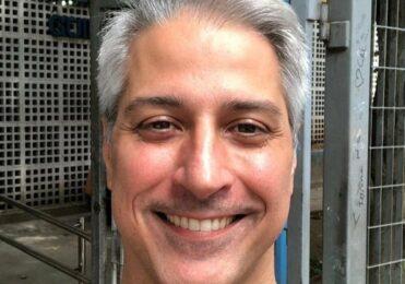 Deputado Alessandro Molon faz sucesso entre homens gays em lives – Celebridades – iG