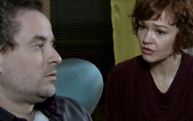 Esther decide se separar de Paulo