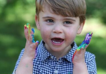 Filho de William e Kate, Louis completa dois anos; confira fotos – Celebridades – iG