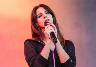Lana Del Rey rebate acusações de romantizar abuso e anuncia álbum – Cultura – iG