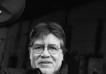 Morre escritor chileno que lutou mais de um mês contra a Covid-19 – Celebridades – iG