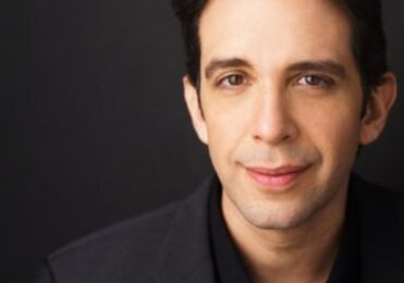Nick Cordero segue internado; médicos orientam esposa se despedir – Celebridades – iG