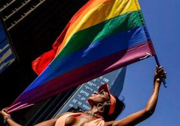 Parada do Orgulho LGBT de São Paulo ganha megaevento online – Cultura – iG
