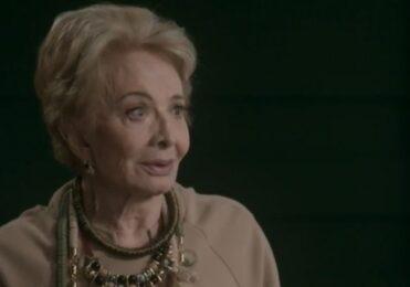 Stelinha faz uma proposta ousada para Carol em Totalmente Demais – TV & Novelas – iG