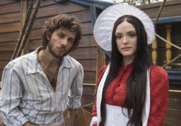 Thomas aparece em sala onde Anna e Joaquim estão em 'Novo Mundo' – TV & Novelas – iG